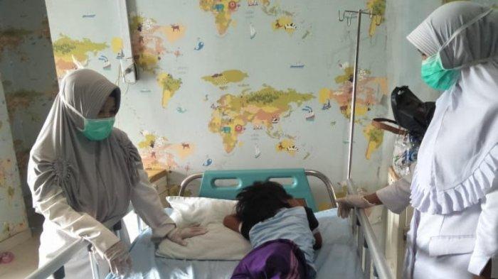 Kisah Pilu Bocah Yatim Piatu di Banten, Tumor Bersarang di Bokong