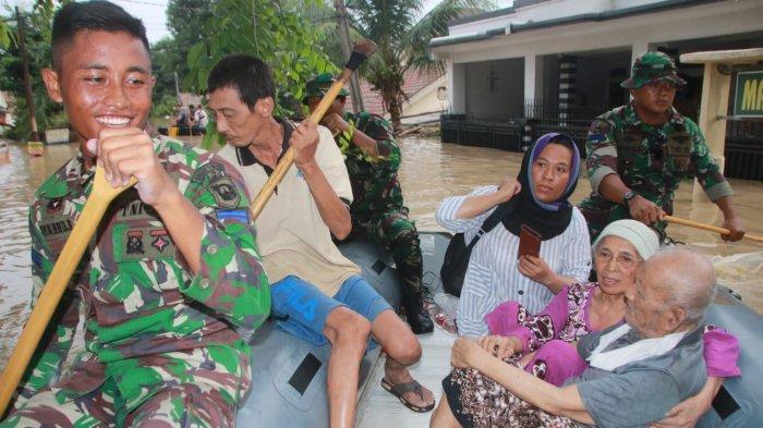 Yonmarhanlan III Dukung Satgas Bencana Alam Banjir