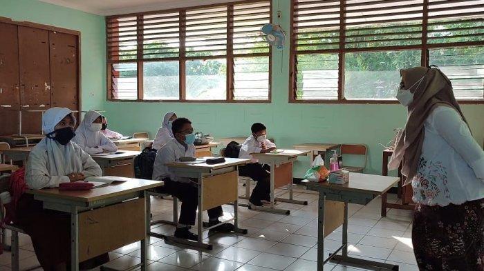 PTM Sudah Diberlakukan, Suneri Senang Melihat Anaknya Bersemangat Ikut Pembelajaran Tatap Muka