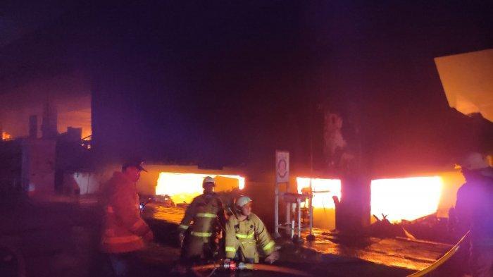 Jelang Ramadan,Pasar Minggu Jaksel Kebakaran, 461 Kios Ludes Dilahap Api
