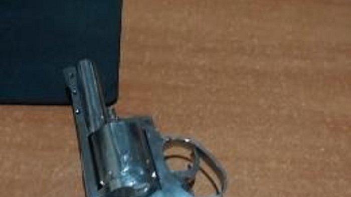 Video Viral Pria Bawa Pistol saat Adu Mulut dengan Warga di Cengkareng, Ini Kata Polisi