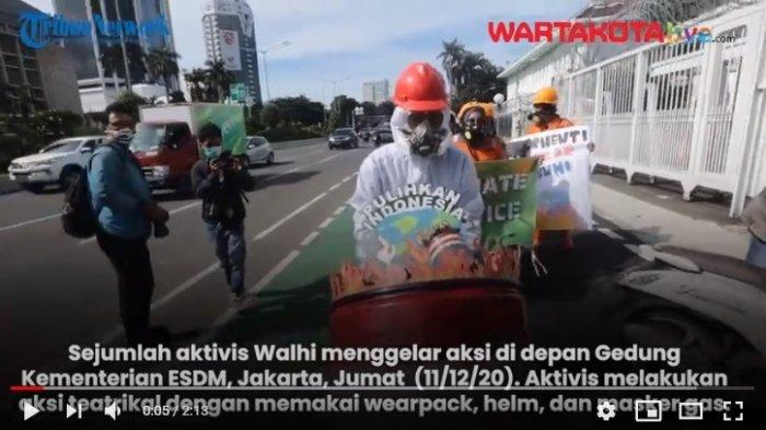 VIDEO Aksi Walhi Tolak Pembangunan PLTU Batubara Jawa 9 & 10
