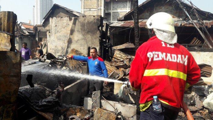 64 Bangunan Semi Permanen Dilahap Si Jago  Merah di Tanah Abang Jakarta Pusat
