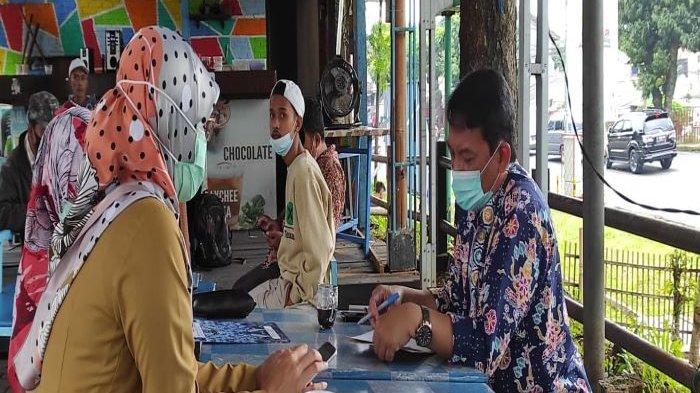 Setelah Tiga Tahun Menjabat, Sekda Kota Depok Hardiono Terima SK Pensiun di Warung Kopi