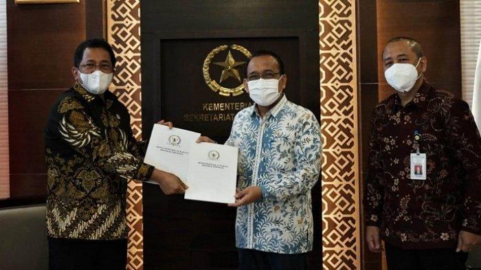 DPR Serahkan Surat Persetujuan Listyo Sebagai Kapolri kepada Jokowi, Dilantik Sebelum 30 Januari