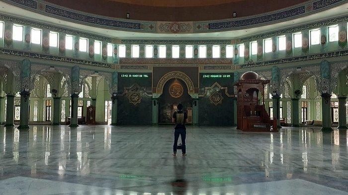 Virus Corona Merebak, Masjid Raya Al-Azhom Kota Tangerang Sepi, Besok Tak Gelar Salat Jumat