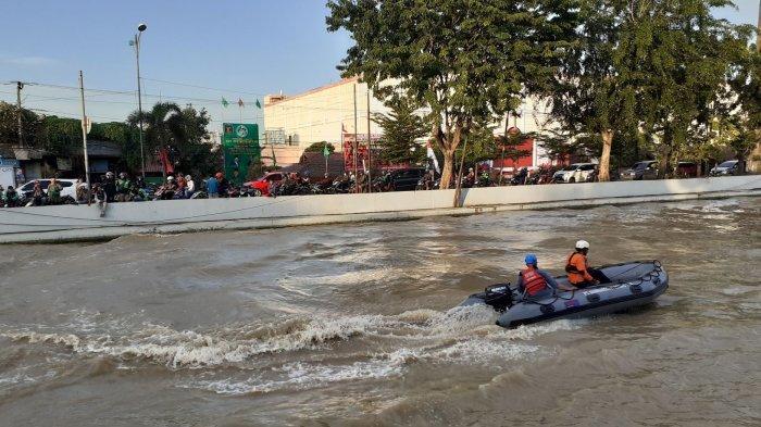 VIDEO: Latihan Perahu Kayak, Pelajar SMA Tenggelam di Kalimalang UNISMA
