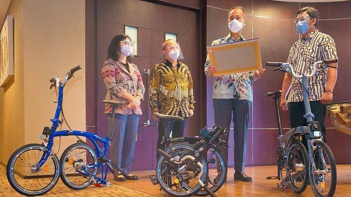 Kenalkan IKM Sepeda ke Masyarakat, Menperin Kunjungi Pabrik Sepeda Kreuz di Bandung