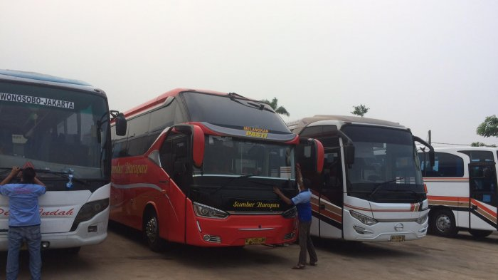 Ratusan Bus Padati Pondok Cabe, Ini Jalan Alternatifnya