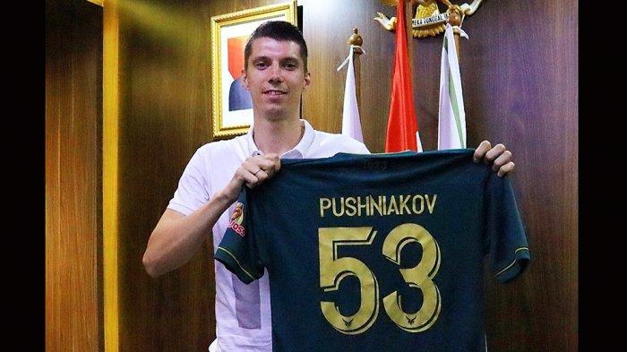 Sergey Pushnyakov Bek Asal Belarusia Fokus Membela Tira Persikabo di Liga 1 Indonesia