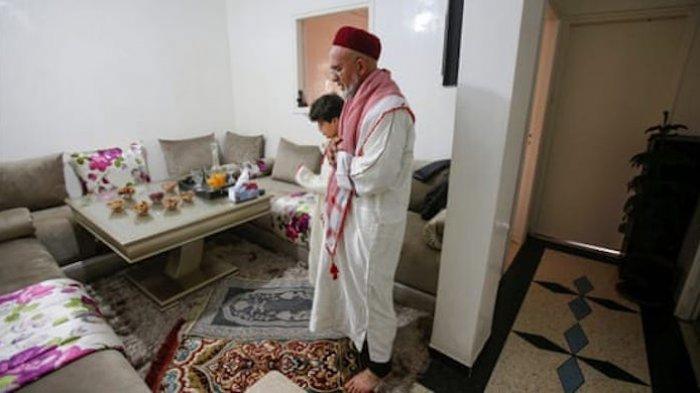 Panduan Shalat Idul Fitri di Rumah Ditengah Pandemi Covid, Lengkap dengan Khutbah Singkat