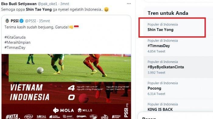 Pelatih timnas Indonesia Shin Tae-Yong trending menyusul kekalahan telak Timnas Indonesia lawan Vietnam 4-0. Namun pelatih asal Korsel itu dibela netizen Indonesia