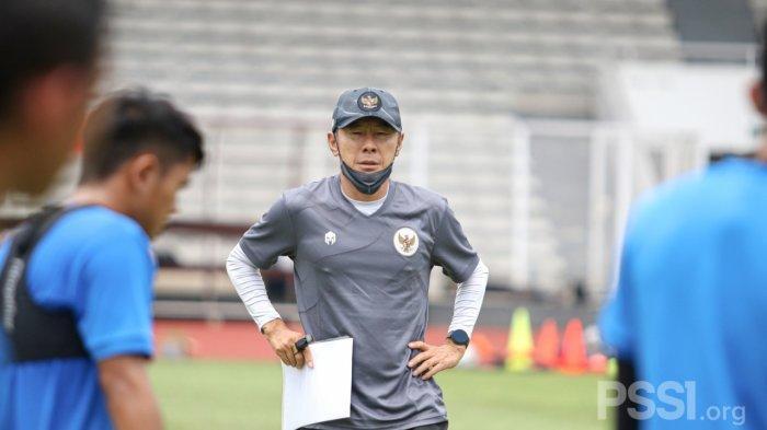 Shin Tae-yong Pimpin Latihan Hari Pertama Timnas Sea Games XXXI Hanoi Hanya 90 Menit