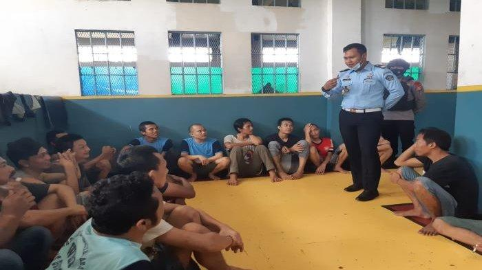 Aparat Penegak Hukum (APH) melakukan sidak di Lapas Khusus Kelas II A Gunung Sindur, Kabupaten Bogor