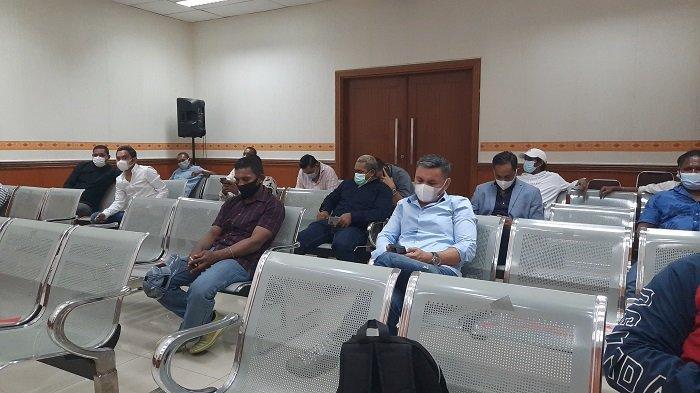 Nus Kei Bersama Belasan Pengikutnya Hadiri Sidang John Kei