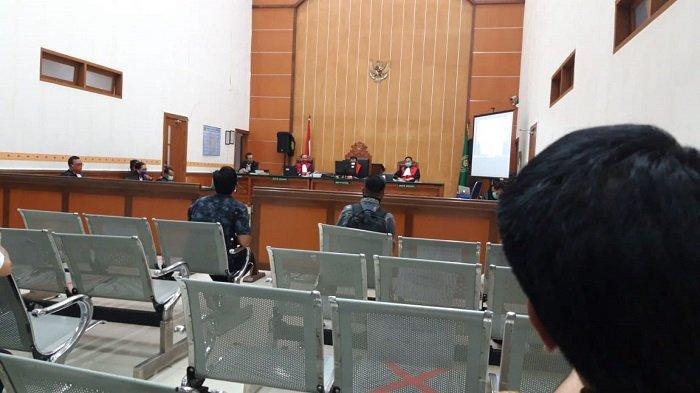 Sidang Perdana Penusukan Wiranto Cuma Berlangsung 1,5 Jam, Terdakwa Dihadirkan Pakai Teleconference