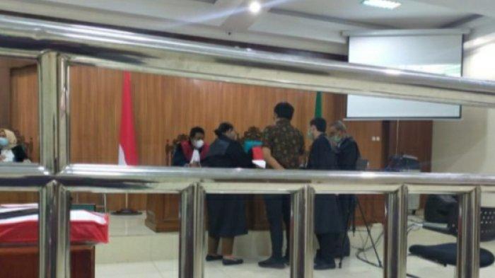 Dinilai Penuhi Unsur Dakwan, Fikri Salim dan Rina Yuliana Dituntut Delapan Tahun Penjara
