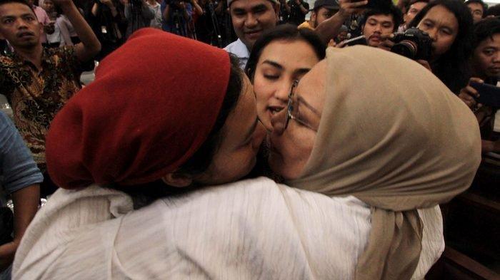 Tidak Terima Divonis Dua Tahun Penjara, Ratna Sarumpaet Minta Kamus Bahasa Indonesia Dibongkar Lagi