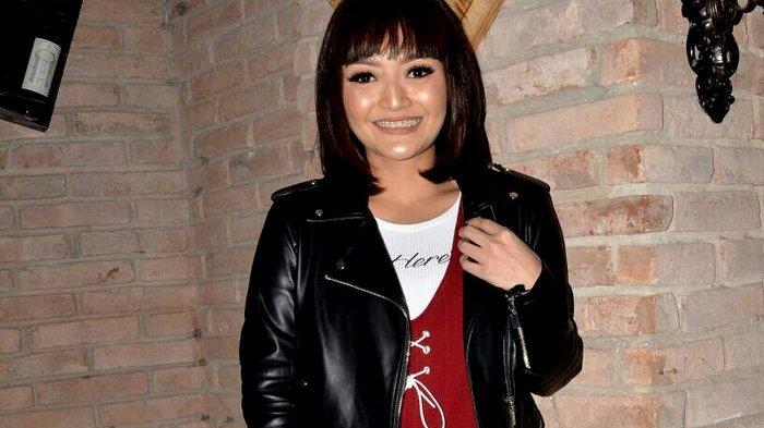 Siti Badriah Potong Rambut Buat Buang Sial dan Gaet Pacar
