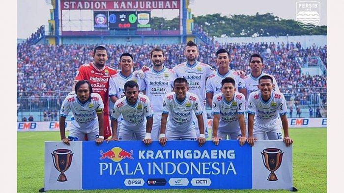 Ghozali Siregar (kedua kanan depan) ikut dalam skuad Persib Bandung di Piala Indonesia 2018-2019