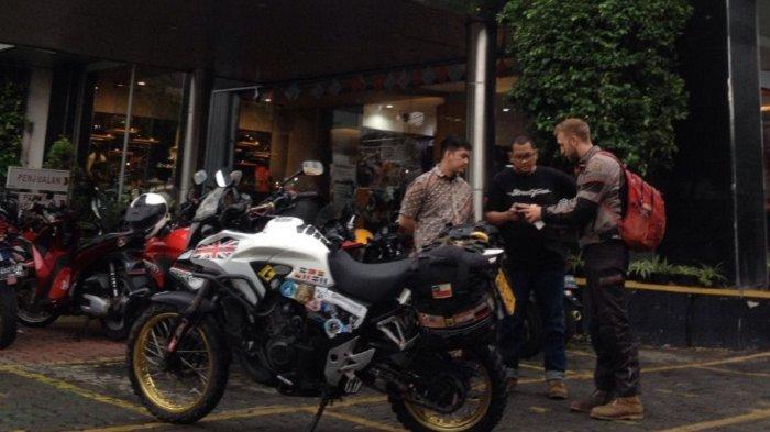 Solo Rider Inggris Luke Philips Terkesima dengan Indonesia dan Layanan Wahana Honda Big Wing