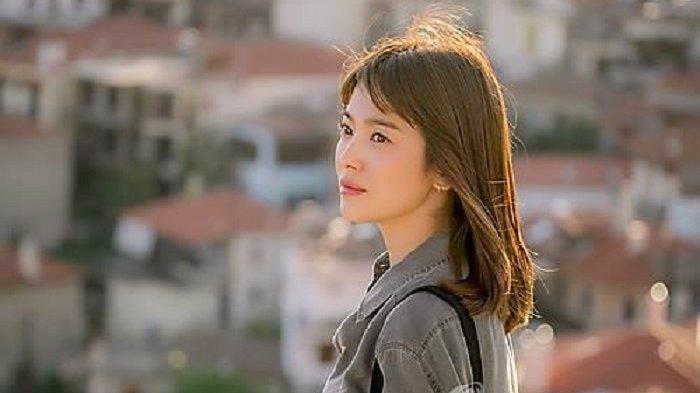 2 Tahun Vakum, Song Hye Kyo Bakal Mainkan Drama Korea karya Penulis Descendants of the Sun