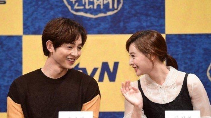 Song Hye Kyo Dukung Song Joong Ki Berakting dengan Kim Ji Won
