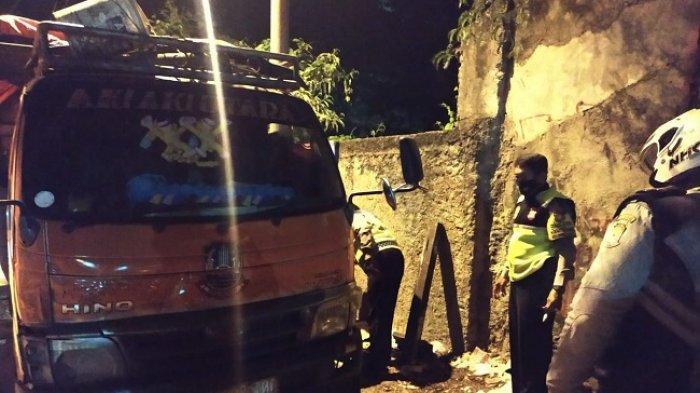 NAHAS, Dongkrak Bermasalah, Sopir Truk Sampah Tewas Tertimpa Bak saat Perbaiki Kendaraannya