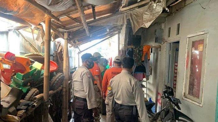 Warga Bantaran Kali Rawa Rengas Setuju Pindah Ke Rusun, Bongkar Sendiri Bangunan
