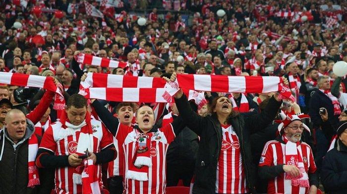 Fan Southampton Bakal Dapat Pie Gratis