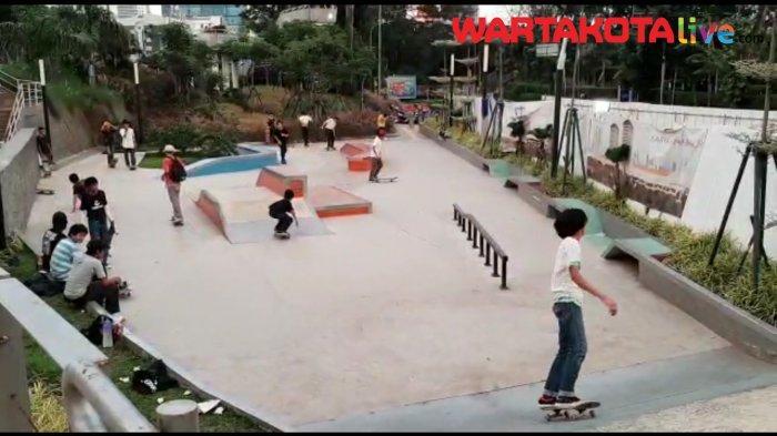 Viral Video Petugas Satpol PP Tindak Pemuda Main Skateboard di Trotoar dengan Kasar, Dikecam Netizen