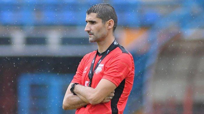 Srdan Lopicic diberi kesempatan oleh Presiden Klub Borneo FC Nabil Husein untuk mendampingi Ahmad Amiruddin menjadi asisten Mario Gomez