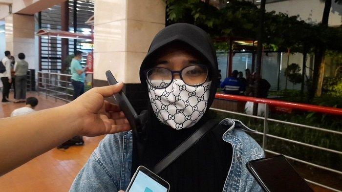 Tangis Ayu Meledak di Bandara, 5 Keluarganya Menjadi Korban Pesawat Jatuh Sriwijaya Air SJ-182