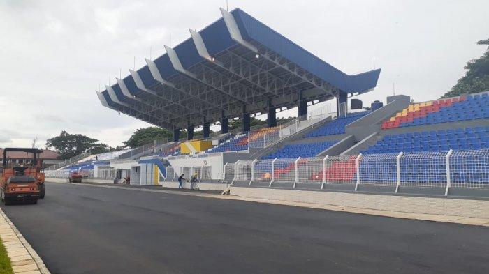 Proses revitalisasi Stadion Benteng, Kota Tangerang akhirnya rampung. Sejumlah fasilitas terbaru pun dihadirkan di stadion kebanggaan warga Tangerang ini.