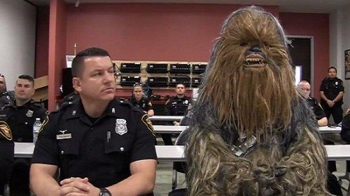 Karakter 'Star Wars' pun Tampil dalam Video Rekrutmen Polisi di Texas