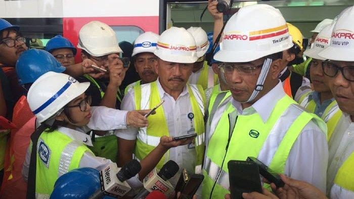 Tinjau Proyek LRT di Kelapa Gading, Menteri Perhubungan Tegaskan Komitmen Utamakan Keselamatan