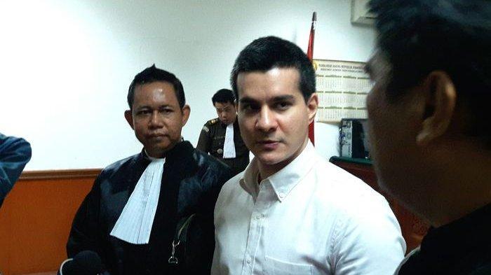 Bantah Jadi Pengedar Narkotika, Ini Harapan Steve Emmanuel Terhadap Majelis Hakim