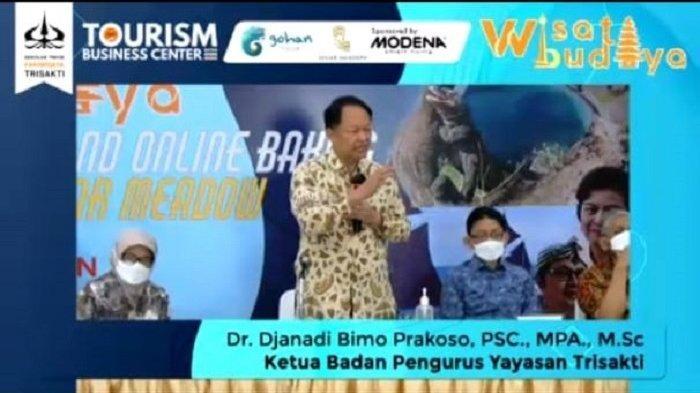 Ketua Badan Pengurus Yayasan Trisakti, Djanadi Bimo Prakoso memberikan paparan saat Webinar Wisata Budaya dalam upaya mempromosikan keunggulan pariwisata Indonesia kepada para orangtua mahasiswa baru, Sabtu (17/42021)
