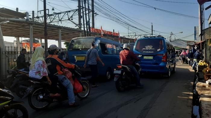 TRAFFIC UPDATE: Jalan Raya Bojonggede Pagi Ini Ramai Lancar di Kedua Arah