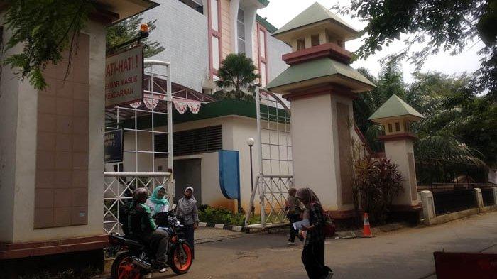 Penjambretan di Depan Kampus Bikin Mahasiswi UIN Jakarta Resah