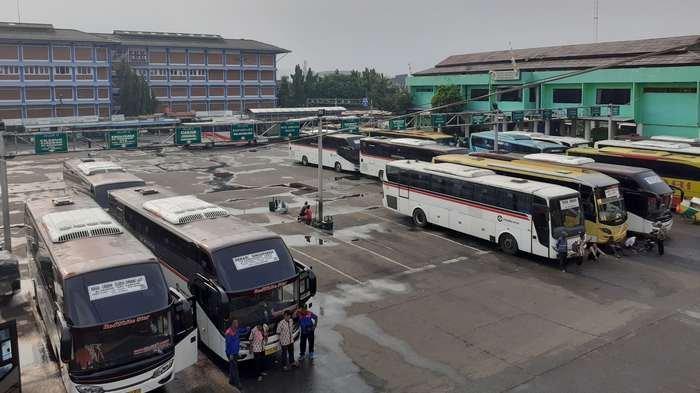 Jelang Larangan Mudik, Pemberangkatan di Terminal Induk Bekasi Terjadi Peningkatan
