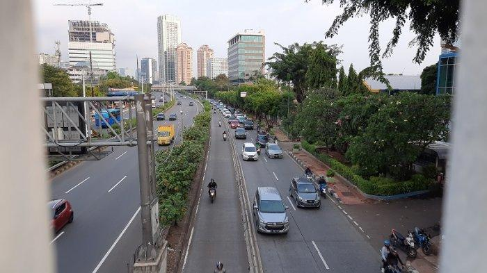 VIDEO Info Lalin: Jalan Letjen S Parman, Slipi arah Tomang Padat Selasa Sore