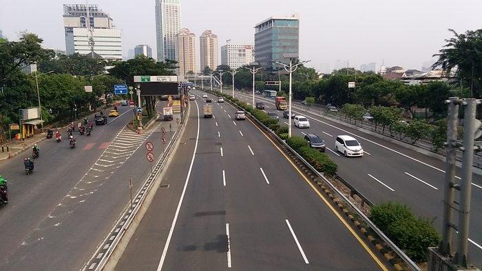 Di PSBB Masa Transisi, Jalan Letjen S Parman Terpantau Lengang