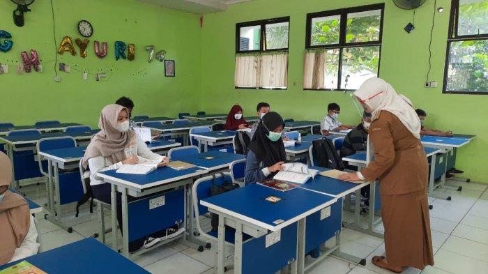 Fokus Ujian Sekolah, Siswa Kelas IX SMPN 2 Bekasi Besok Tak Ikut Belajar Tatap Muka
