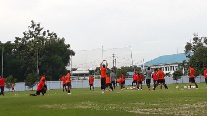 Gelar Latihan Perdana, Pelatih Persija Fokus Pengembalian Kondisi Fisik Pemain