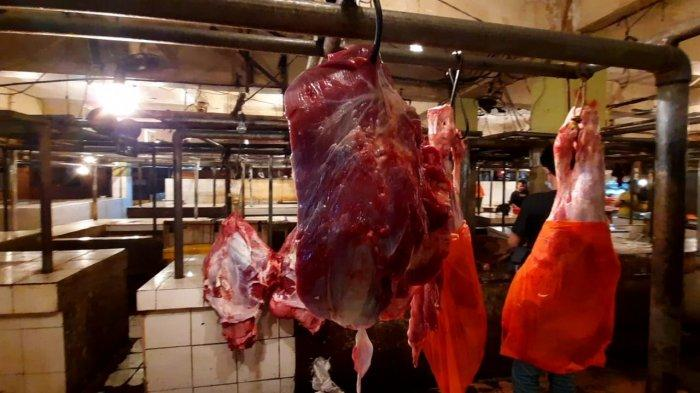 Diprediksi Naik, Minat Pembeli Daging Sapi Jelang Puasa di Pasar Baru Bekasi Justru Cenderung Turun