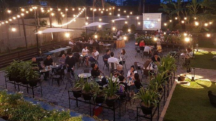Sensasi Nongkrong di Lumida Cafe, Area Outdoor yang Hijau dan Luas, Serasa Lagi Staycation di Villa