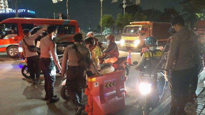 Sulitnya Menembus Pos Penyekatan di Jalan Daan Mogot, Dua Kali Diperiksa Jika Ingin Masuk Jakarta