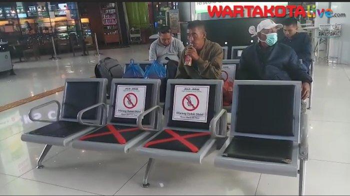 VIDEO: KAI Daop 1 Kurangi Jumlah Perjalanan Jarak Jauh, Begini Suasana di Stasiun Gambir