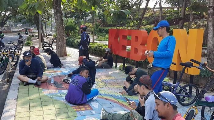 VIDEO: Komunitas Pesepeda Jadikan Taman Kebon Jeruk Lokasi Transit dan Kumpul